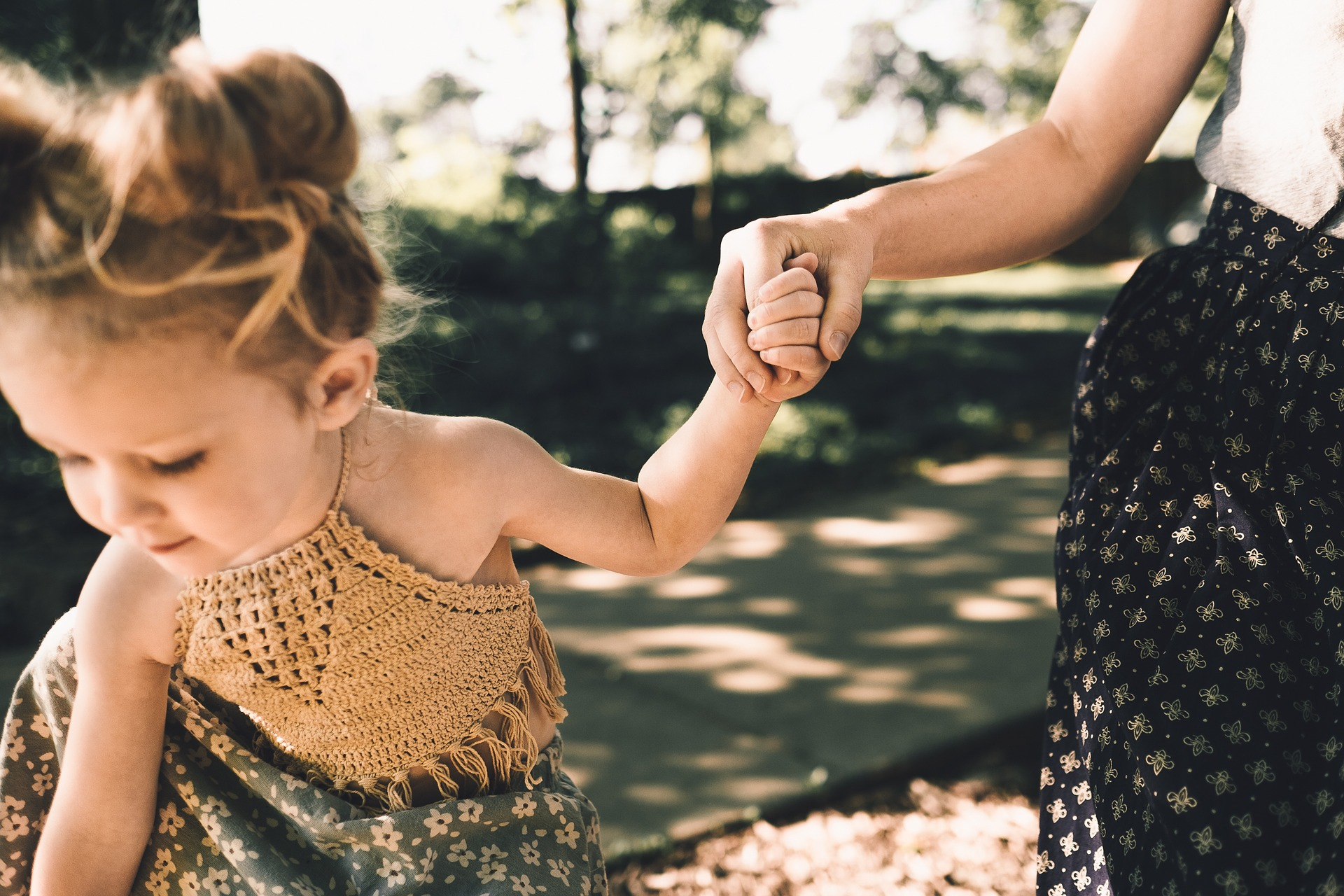 10 ways to love your children / gentle and positive parenting